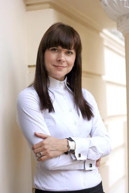 Alina Melescanu - PR Director Ogilvy Public Relations Romania