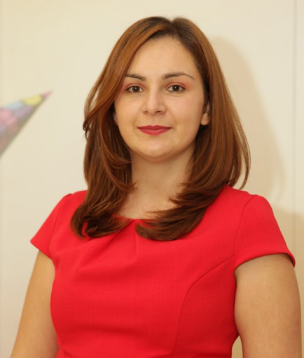Ioana Mucenic_visionary managing partner&head of strategy_pastel