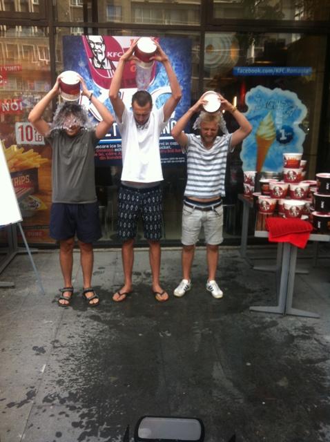 KFC Ice Bucket Challenge_consumatori