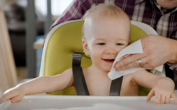 #BabysFirstFeast, funny put together in a Huggies commercial